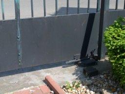 Dvoukřídlá brána detail