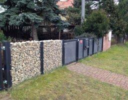 Brána a plot z tahokovu